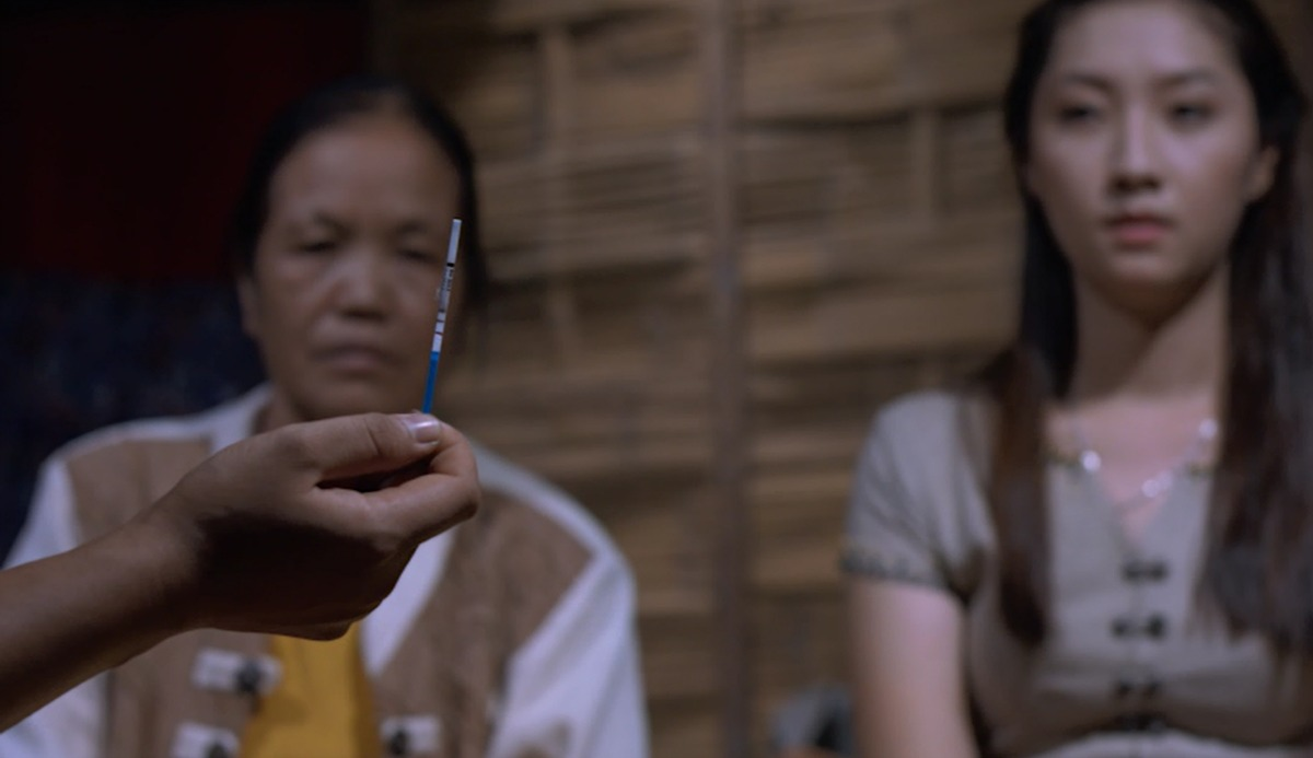 Image from MC3 Tai Media video showing two women learning about contraception