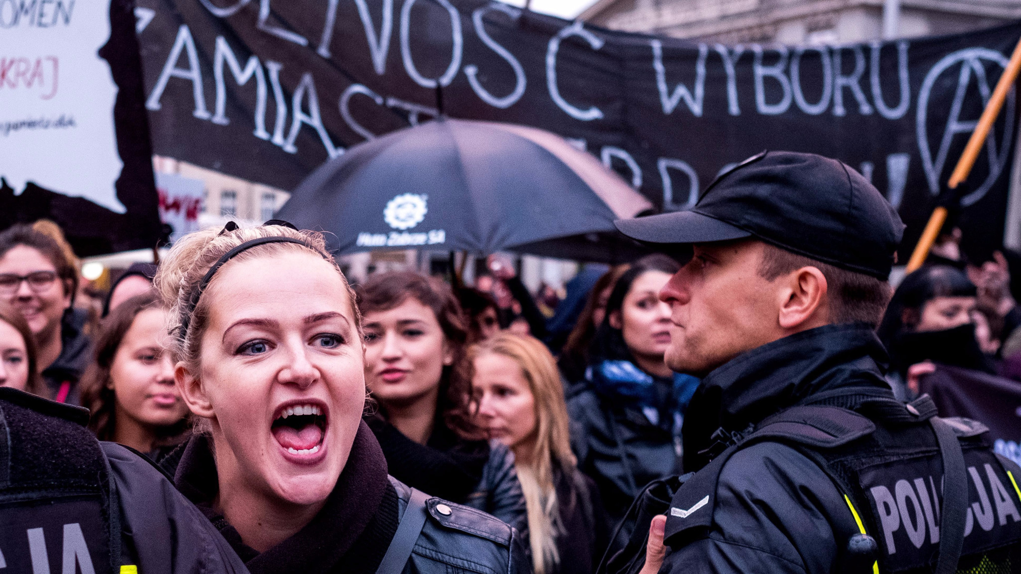 Women protest in Poland. Photo: Andrzej Grygiel/EPA